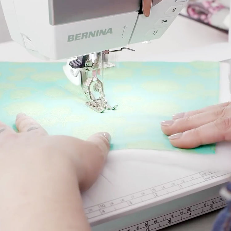 BERNINA 770 QE – the high-end sewing, embroidery and