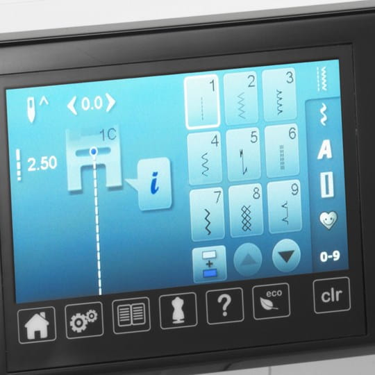 Intuitive operation via the high-resolution touchscreen