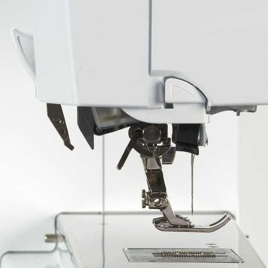 BERNINA Dual Feed for Hard-to-manage Fabrics