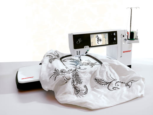 Bild: Launch of the BERNINA 830: BERNINA presents a new first-class sewing and embroidery system  5/5