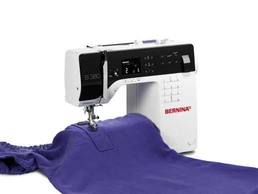 Bild: The new BERNINA 3 Series - the sewing machines conquers the catwalk  5/5