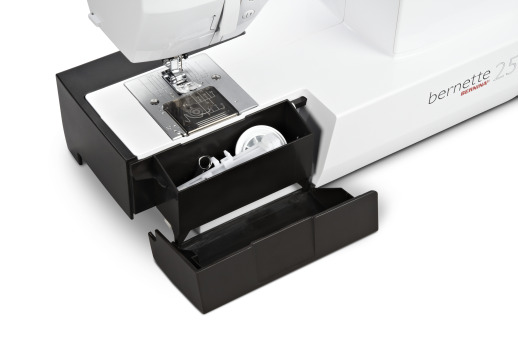 Bild: BERNINA launches Entry-Level Sewing-Machine Range under the bernette Label  5/7