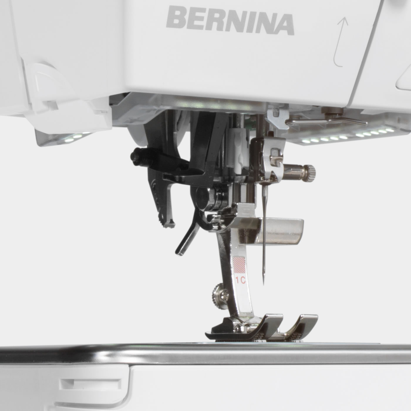 Bernina 710 with the bernina 9 hook unlimited creativity bernina greater sewing pleasure fandeluxe