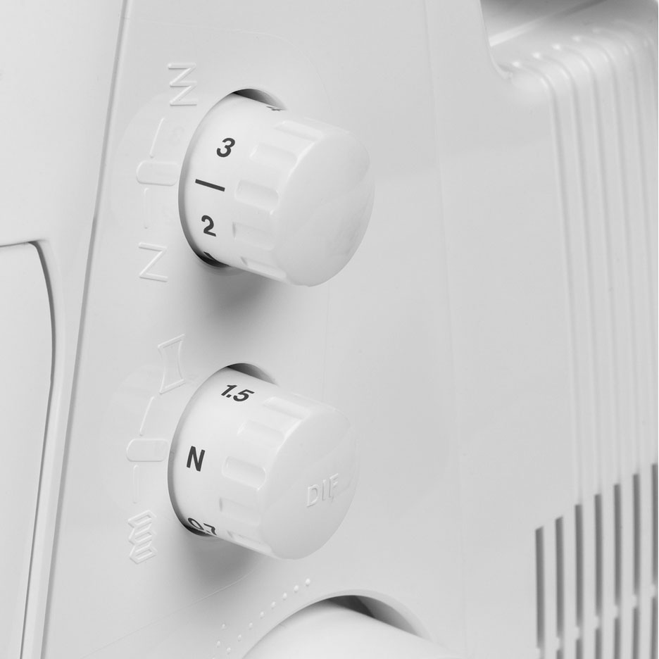 Patented differential feed for ideal control of gathering