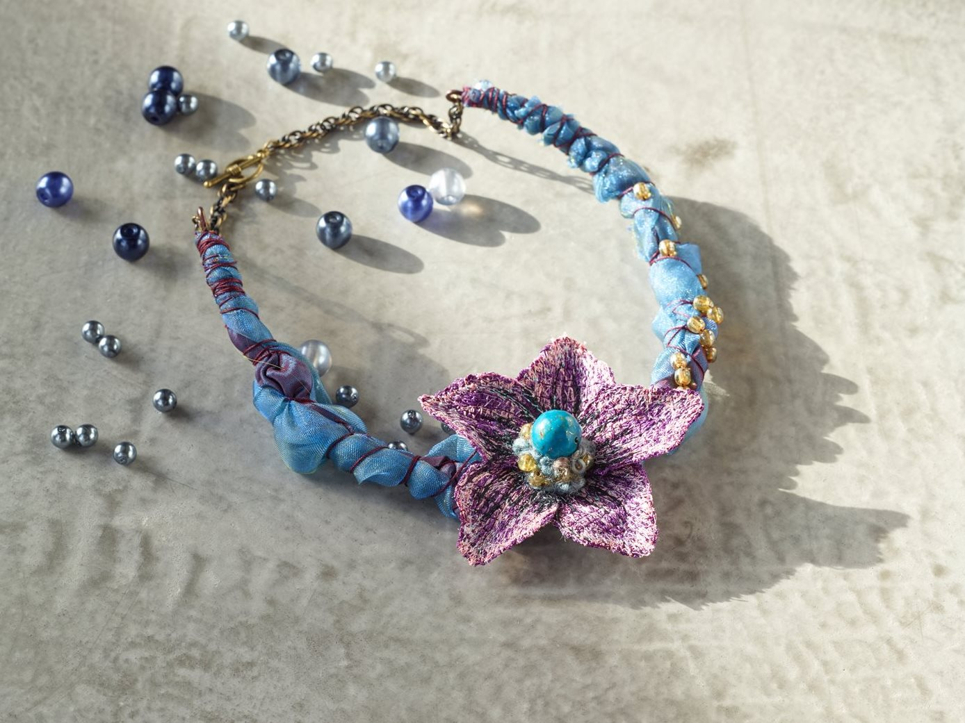 Levente Sulyok - Flower necklace