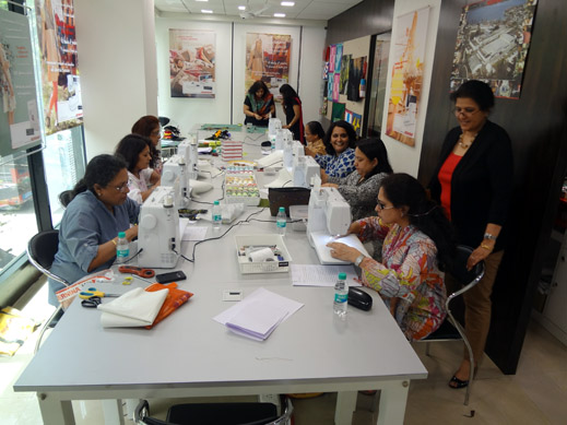 Picture: BERNINA workshop with Paramjeet Bawa at the BERNINA Creative Center  17/24
