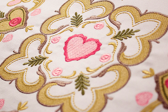 Beloved Heirlooms – BERNINA Exclusive Embroidery Collection #82015