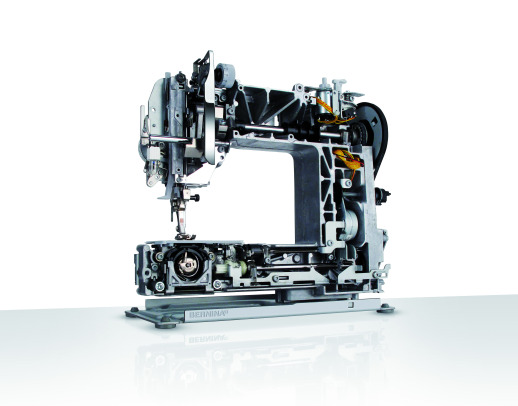 Bild: The new BERNINA 3 Series - the sewing machines conquers the catwalk  3/5